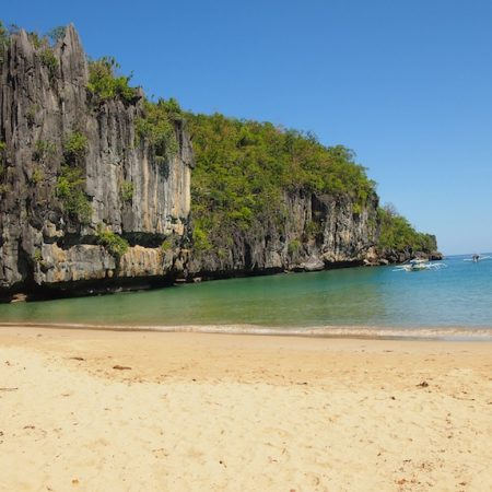 The beach in Sabang going to the Underground River