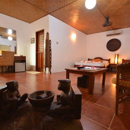 A spacious room for the whole family - Hibiscus Garden Inn